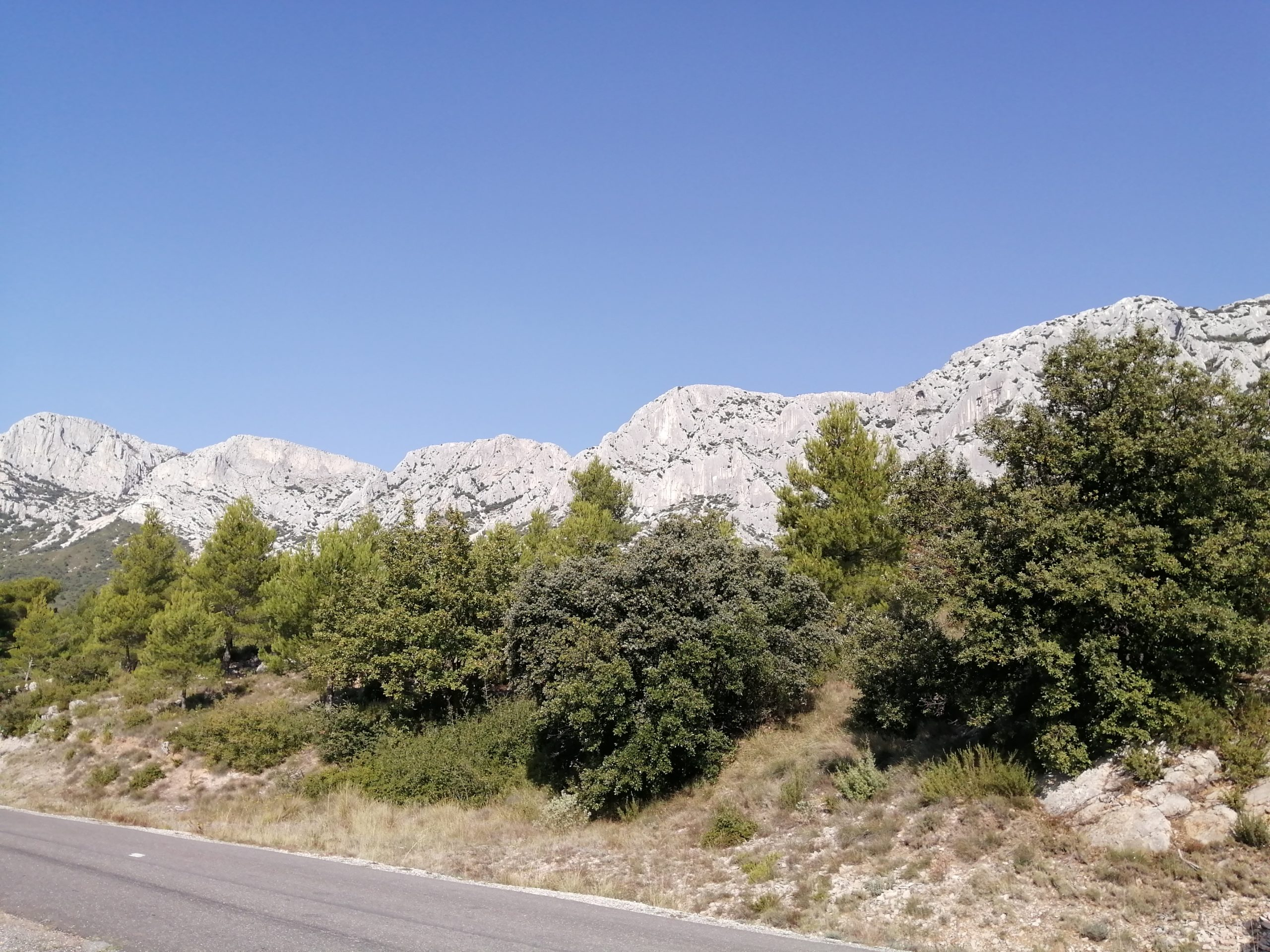 Road Trip Dans La Montagne St Victoire